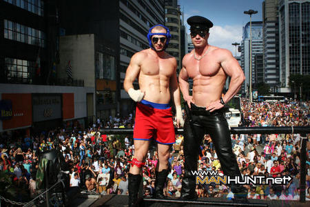 Parada Gay Manhunt.net